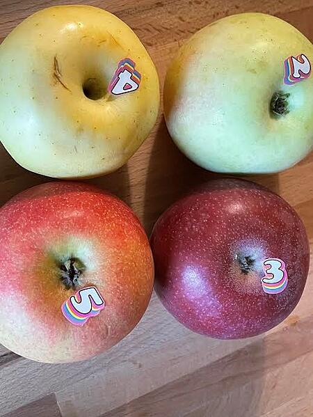 apples numbered