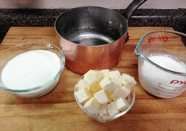 caramel sauce mise en place