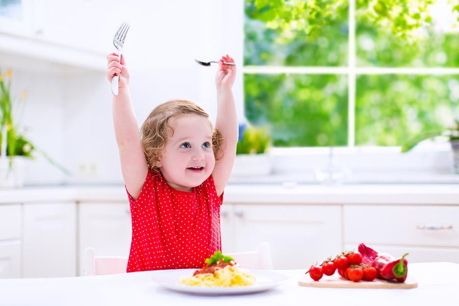 child-spaghetti
