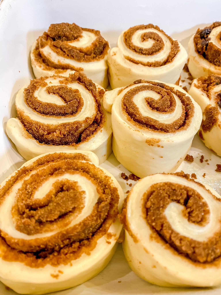 cinnamon rolls formed