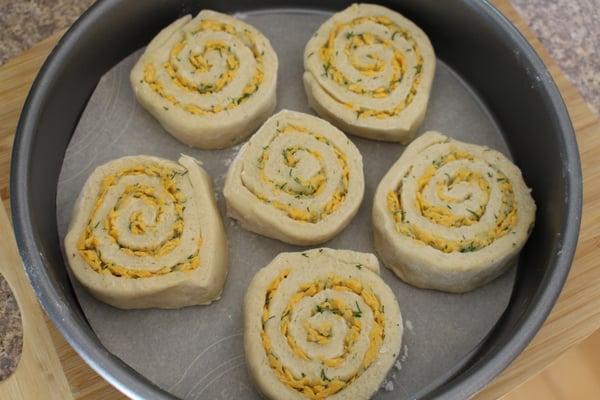 dough rolls pan