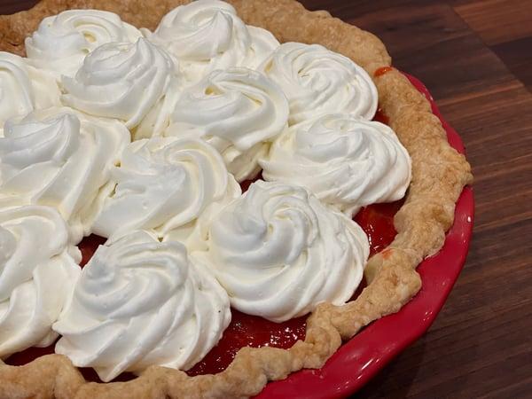 finished strawberry pie