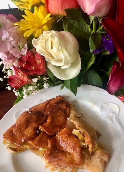 plated apple pancake
