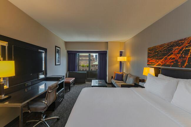 King Bed Guest Room.jpg