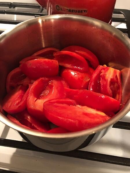 cut tomatoes in bowl
