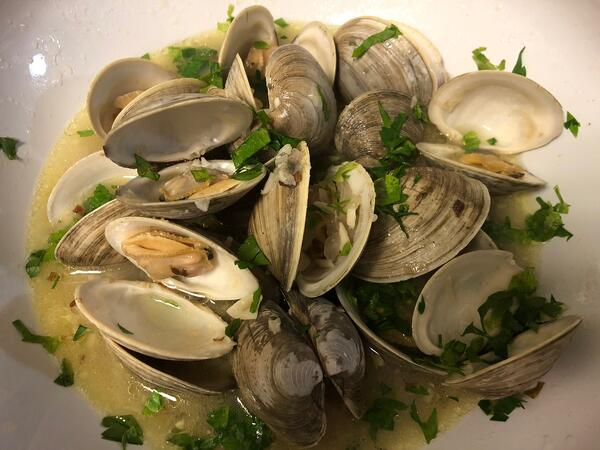 plated clams